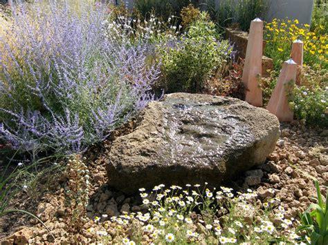 Sprudelstein Garten quellstein im garten installieren mein sch 246 ner garten