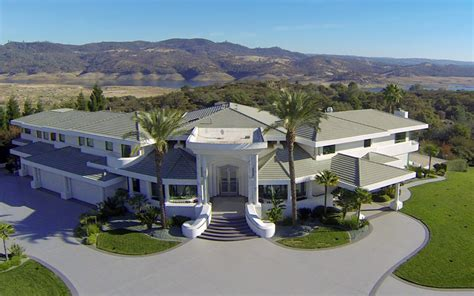 celebrities houses amazing celebrity homes for sale telegraph