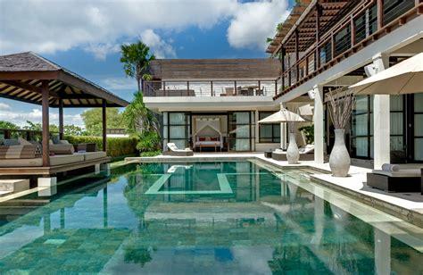 Lu Sorot Kolam Renang contoh desain kolam renang gaya bali terbaru 2016 desain