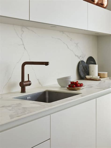 contemporary kitchen tiles 25 best ideas about marble tiles on marble