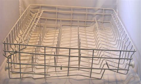 Dishwasher Not Cleaning Rack by 1000 Ideas About Maytag Dishwasher On Clean