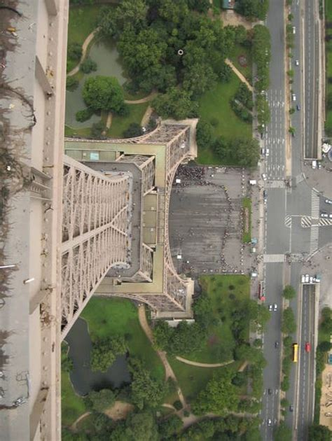 apartment at the top of the eiffel tower there s something hiding at the top of the eiffel tower 7