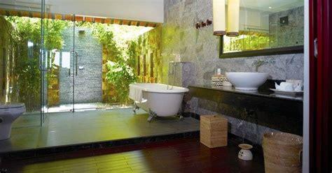 13 outstanding outdoor bathrooms 14 best images about outdoor bathrooms great sunlight