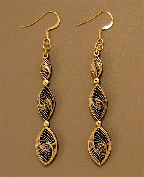 quilling paper earrings tutorial video 427 best images about quilling tutorials on pinterest