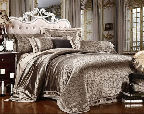 4pcs luxurious hand embroidery jacquard satin comforter