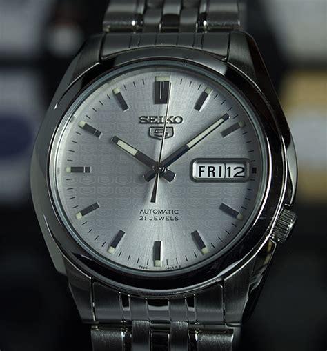 Seiko 5 Automatic Textured seiko 5 s automatic silver textured snk355k1