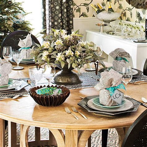 holiday table decorations  ways southern living