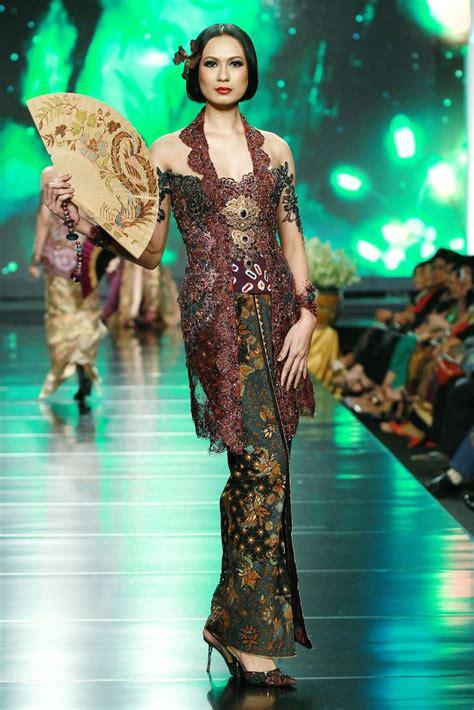Kebaya Pengantin Mermaid Prada 1 12 best prada bahan images on batik fashion