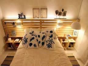 Incroyable Amenager Une Petite Chambre D Ado #2: lit-palette-avec-tete-de-lit-rangement-dans-petite-chambre.jpg