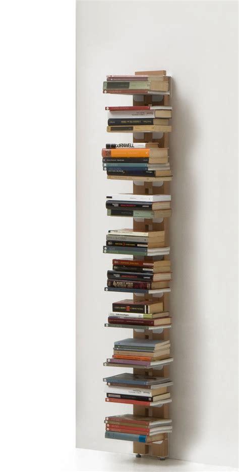 libreria verticale libreria verticale a parete in massello di faggio