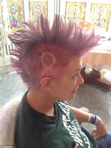 pre chemo mohawk mother with breast cancer shaves her hair into a bright