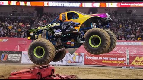 monster jam trucks 2014 monster jam milwaukee wi 2014 field of trucks youtube