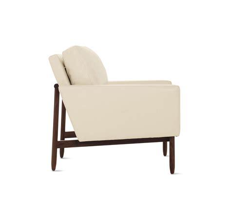 dwr raleigh sofa dwr raleigh sofa brokeasshome com