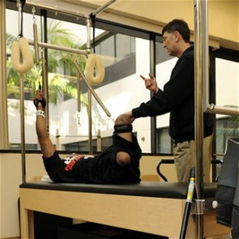 do physical therapists make more money than nurses fe