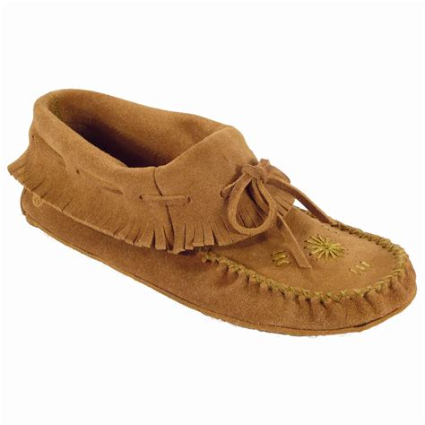 are moccasins slippers shop womens and mens moccasins at moccasins