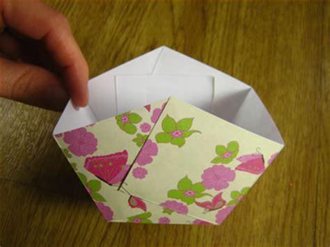 Paper Easter Baskets - paper easter basket to make