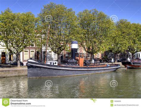 sleepboot antiquiteit oude sleepboot stock afbeelding afbeelding bestaande uit