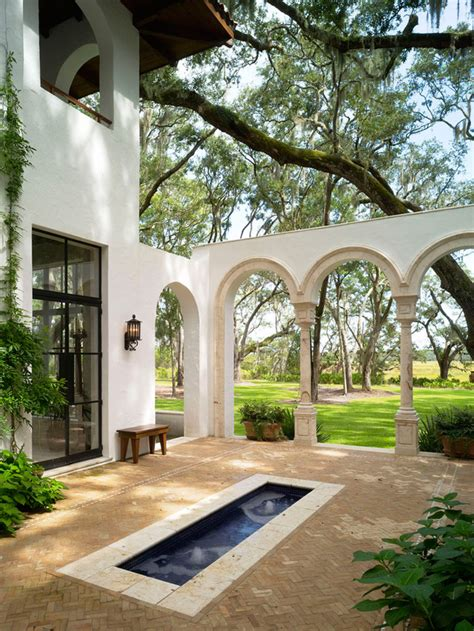 spanish style courtyards interior design spanish style homes and courtyards on