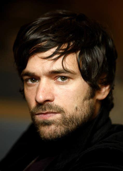 dark haired actors romain duris french actor people pinterest romain