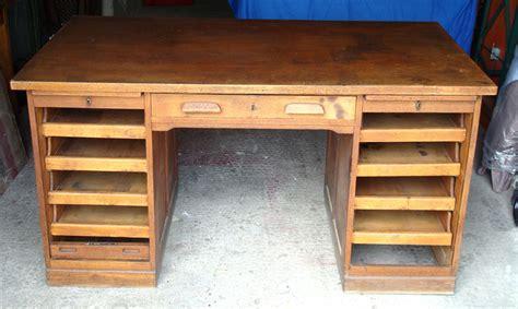 bureau bois massif ancien mzaol