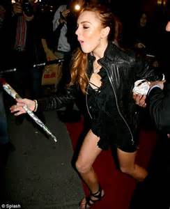 Random Lindsay Lohan Club Pictures by Embarrassed Lindsay Lohan Literally Falls Out Of Club