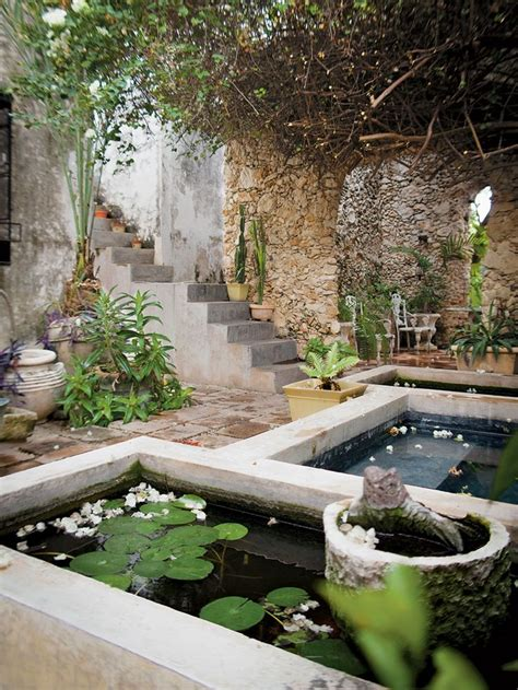 25 best ideas about mexican courtyard on pinterest mexican garden mexican patio and