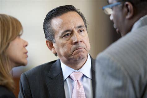 Irs San Antonio Office by Fbi Irs Agents Raid State Sen Carlos Uresti S
