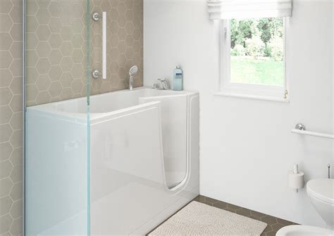 Bathtub With Shower Doors by Bathtubs With Door For The Elderly Goman