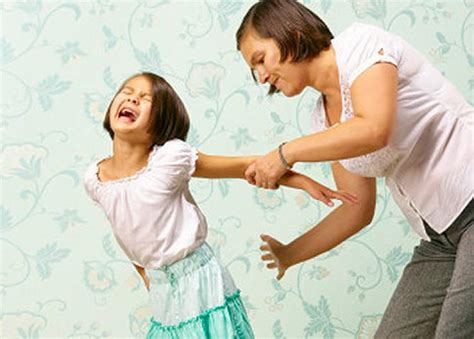 spanking age and style circle of moms spanking in early childhood leads to violent behavior