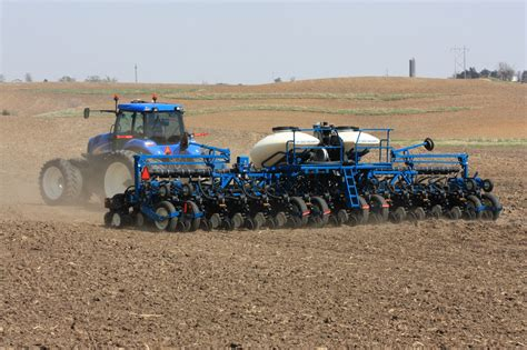 Kinze Planter by Kinze Manufacturing Introduces New Planter Configuration