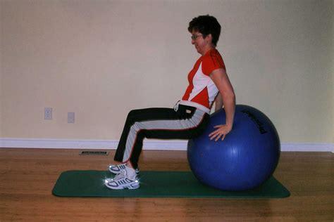 lie   exercise ball