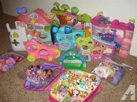 littlest pet shop houses huge lot of quot littlest pet shop quot houses walkables 102 pets keizer or for sale