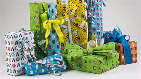 gift wrap company custom gift wrap company gives the gift of selfies abc news