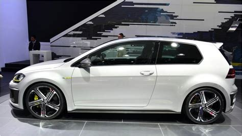 volkswagen white 2016 what s so cool about the 2016 vw golf gti features palm