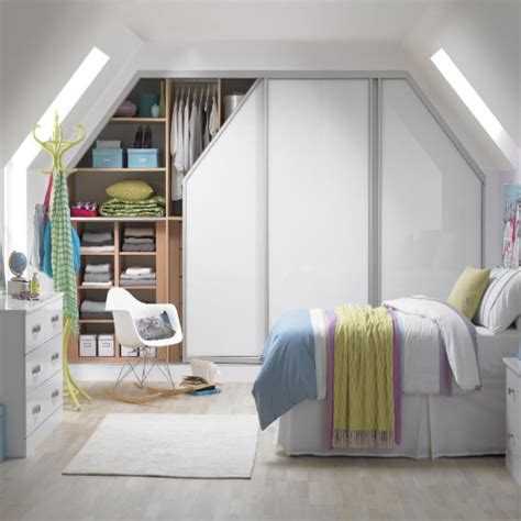 Fitted Bedroom Designs For Small Rooms Wardrobe Furniture For Small Bedrooms Small Room