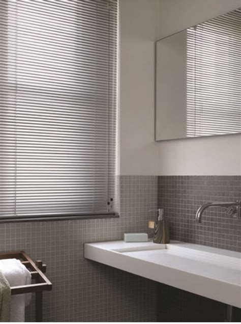 venetian bathroom blinds 1000 images about aluminium blind venetian on pinterest