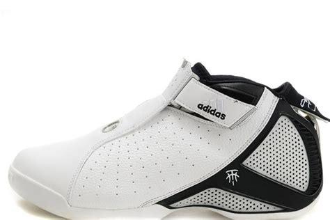 Sepatu Bola Tmax 50 sepatu basket terjelek yang pernah dibuat bag 1