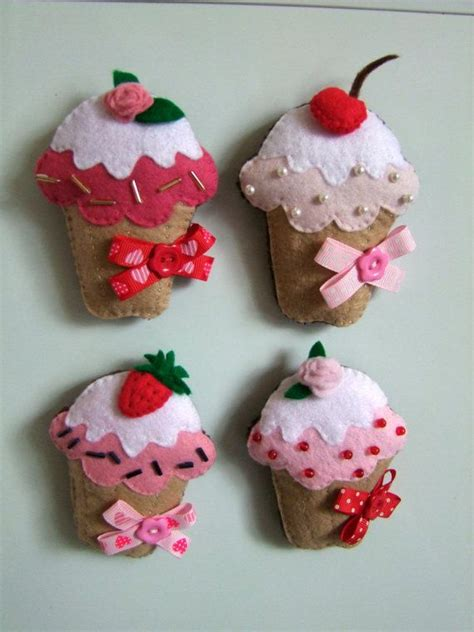 Handmade Cupcakes - felt cupcake magnets handmade cupcakes ornament felt
