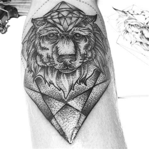 diamond tattoo geometric 25 amazing geometric dotwork wolf tattoos tattooblend