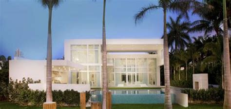 chris bosh house haute 100 miami update chris bosh s home robbed of 479 000 in jewelry haute living