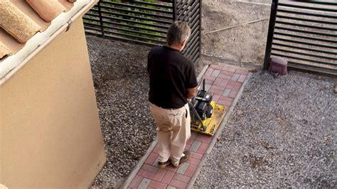 decorar desagues h 225 galo usted mismo 191 c 243 mo hacer un sendero de adoquines