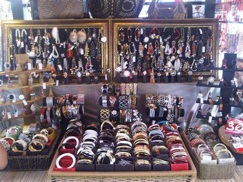 Tempat Accessories Kalung Gelang Perhiasan Dll peluang usaha aksesoris wanita beserta tips dan triknya