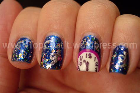 new year nail chic peek beautiful festive nail ideas lifestuffs