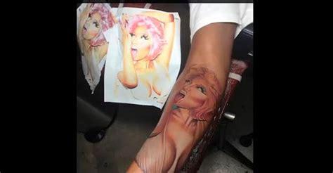 what does nicki minaj tattoo say entertainment strong nicki minaj s boyfriend