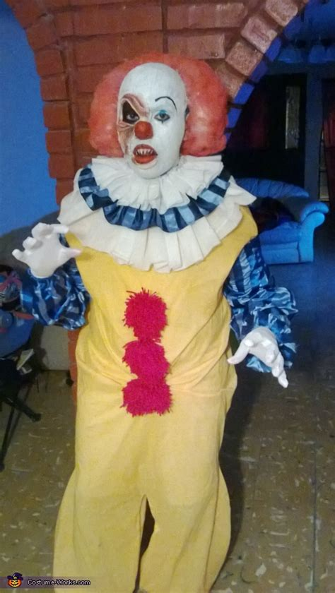 It Pennywise Clown Mask Costume pennywise the clown costume