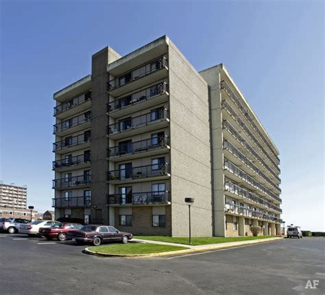 new jersey appartments oceanpoint towers long branch nj apartment finder