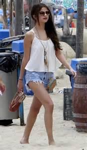Selena gomez fashion style summer 2014 3 a celebrity mag
