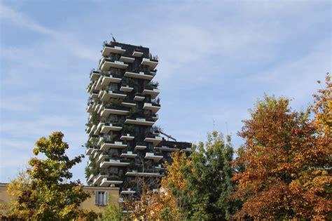 Designboom Bosco Verticale | bosco verticale by stefano boeri greens milan s skyline