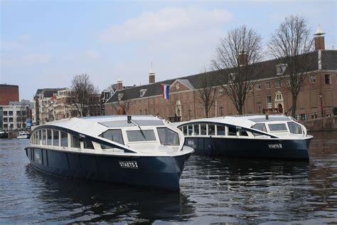 bootje op zonne energie partyboot amsterdam grachten boot huren amsterdamse