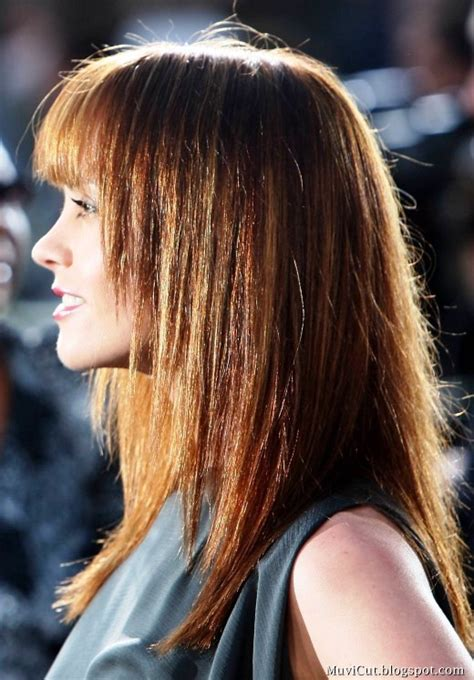 14 cute straight hairstyles for long or medium hair
